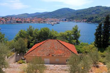 Vela Luka, Korčula, Property 159 - Apartments near sea with rocky beach.
