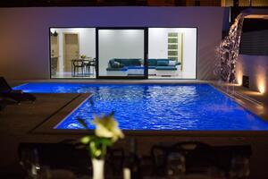 Дом для семьи с бассейном Сплит - Split - 15909