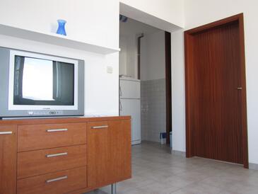 Slatine, Dnevni boravak u smještaju tipa apartment, dostupna klima i WiFi.