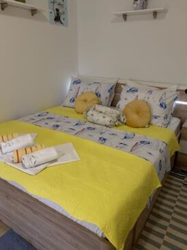 Drašnice, Spalnica v nastanitvi vrste room, dostopna klima in WiFi.