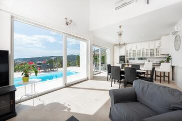 Hvar, Obývací pokoj v ubytování typu house, s klimatizací, domácí mazlíčci povoleni a WiFi.