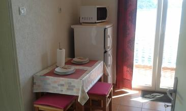 Sobra, Dining room in the studio-apartment, WiFi.