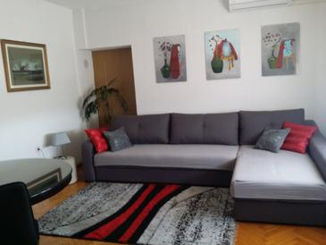 Senj, Living room in the apartment, air condition available and WiFi.