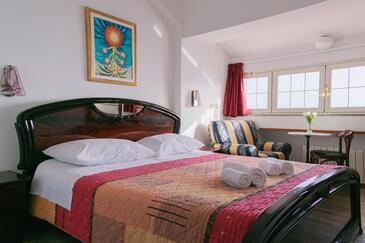 Zadar - Diklo, Ložnice v ubytování typu room, s klimatizací, domácí mazlíčci povoleni a WiFi.