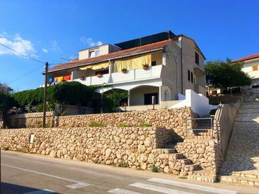 Zubovići, Pag, Property 16063 - Apartments and Rooms with pebble beach.