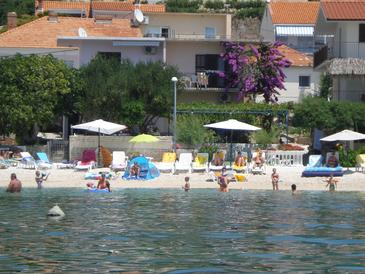 Podstrana, Split, Объект 16074 - Апартаменты вблизи моря с галечным пляжем.