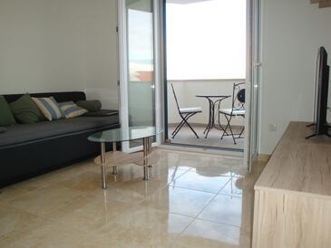 Supetar, Obývací pokoj v ubytování typu apartment, s klimatizací a WiFi.