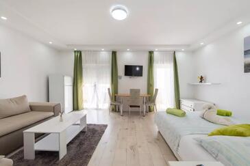 Stobreč, Spavaća soba u smještaju tipa room, dostupna klima i WiFi.