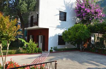 Podaca, Makarska, Szálláshely 16160 - Apartmanok és szobák a tenger közelében kavicsos stranddal.