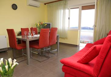 Šibenik, Obývacia izba v ubytovacej jednotke apartment, WiFi.