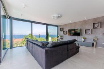 Sutivan, Obývací pokoj v ubytování typu house, s klimatizací a WiFi.