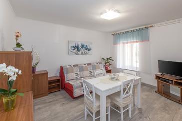 Murine, Obývací pokoj v ubytování typu apartment, s klimatizací a WiFi.