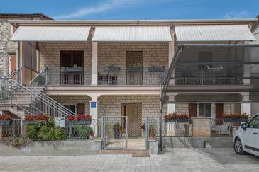 Murine, Umag, Property 16175 - Apartments with pebble beach.
