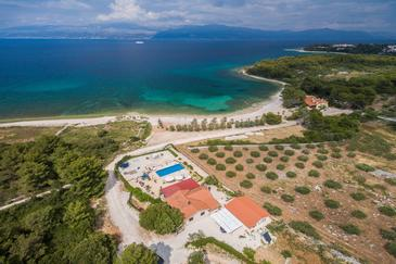 Mirca, Brač, Property 16183 - Vacation Rentals near sea with pebble beach.