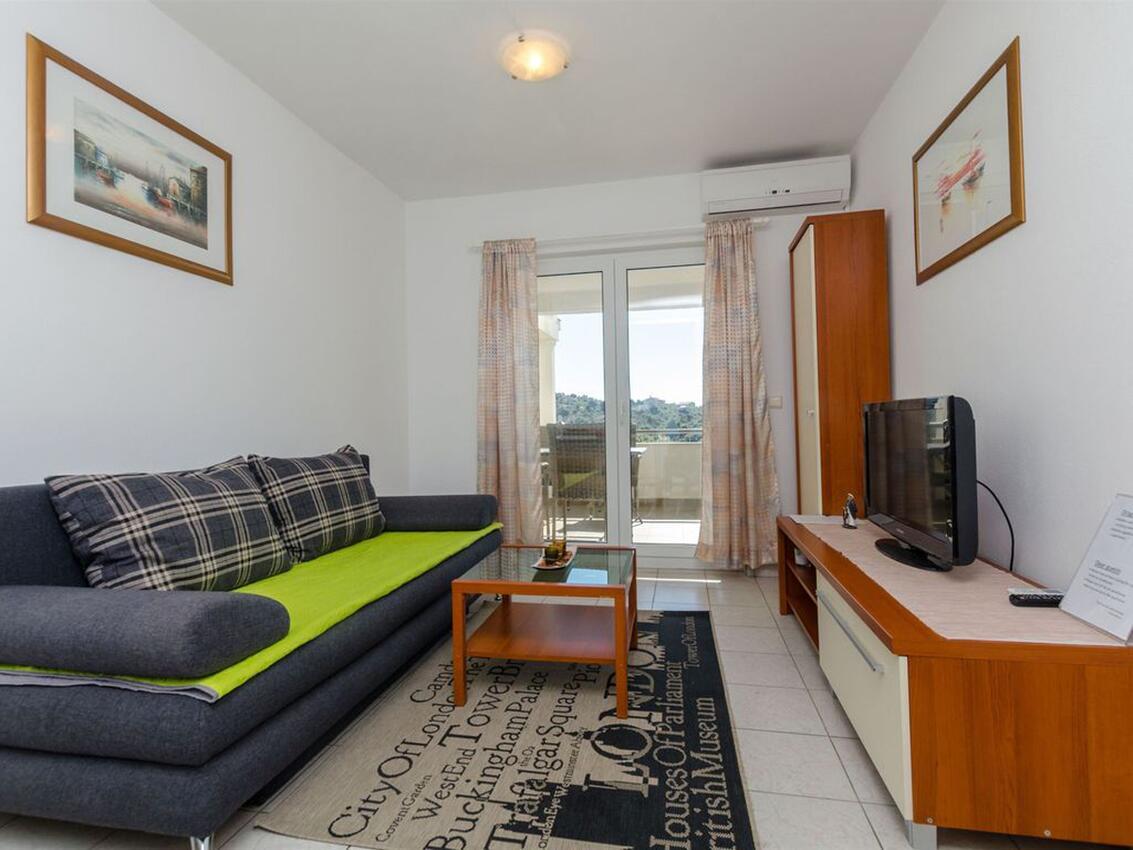 Ferienwohnung im Ort Kanica (Rogoznica), Kapazität 2+2 (2543357), Kanica, , Dalmatien, Kroatien, Bild 2