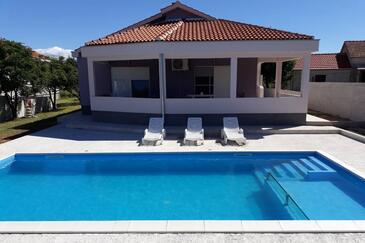 Smilčić, Zadar, Property 16191 - Vacation Rentals with pebble beach.