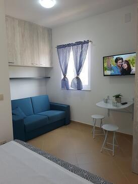 Pakoštane, Гостиная в размещении типа studio-apartment, Домашние животные допускаются и WiFi.