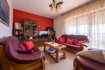 Kaštel Sućurac, Obývacia izba v ubytovacej jednotke apartment, klimatizácia k dispozícii a WiFi.
