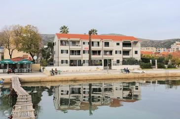 Trogir, Trogir, Property 16210 - Apartments near sea with pebble beach.