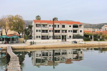 Trogir, Trogir, Property 16211 - Apartments near sea with pebble beach.