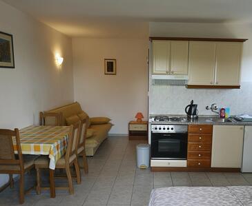 Seline, Jídelna v ubytování typu studio-apartment, WiFi.