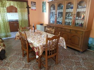 Sveta Nedilja, Comedor in the house, air condition available, (pet friendly) y WiFi.