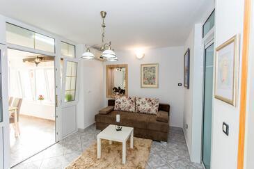 Sutivan, Гостиная в размещении типа apartment, доступный кондиционер и WiFi.