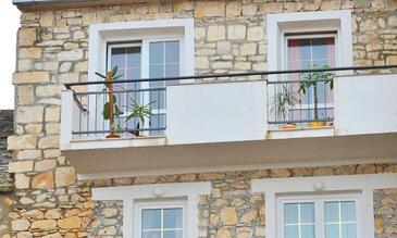 Sutivan, Brač, Объект 16236 - Апартаменты вблизи моря с галечным пляжем.
