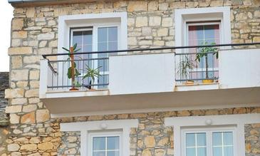 Sutivan, Brač, Property 16236 - Apartments near sea with pebble beach.