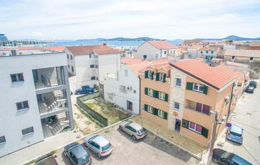 Vodice, Vodice, Property 16249 - Apartments near sea with pebble beach.
