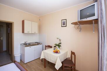 Dolac, Kuchyně v ubytování typu studio-apartment, WiFi.