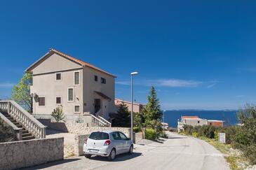 Dolac, Primošten, Objekt 16258 - Apartmaji in sobe s prodnato plažo.