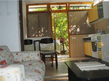 Stari Grad, Living room in the studio-apartment, air condition available and WiFi.