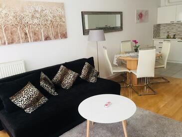 Zagreb, Obývací pokoj v ubytování typu apartment, s klimatizací, domácí mazlíčci povoleni a WiFi.