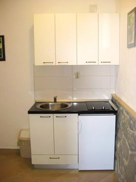 Živogošće - Porat, Keuken in the apartment, (pet friendly) en WiFi.