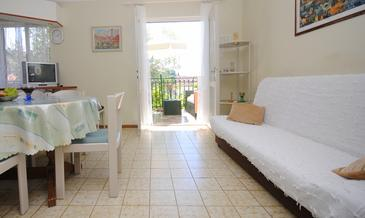 Okrug Gornji, Living room in the apartment, (pet friendly) and WiFi.