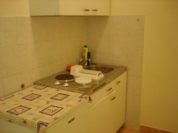 Polače, Kitchen in the studio-apartment, air condition available and WiFi.