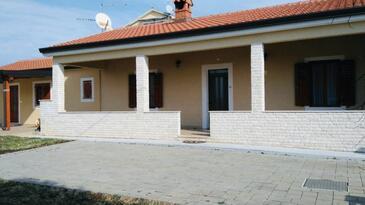 Zambratija, Umag, Objekt 16297 - Ubytování s oblázkovou pláží.