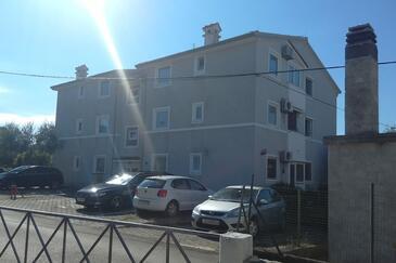 Zambratija, Umag, Property 16298 - Apartments with pebble beach.