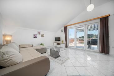 Tribunj, Гостиная в размещении типа apartment, доступный кондиционер, Домашние животные допускаются и WiFi.