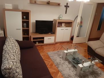 Kaštel Štafilić, Wohnzimmer in folgender Unterkunftsart house, Klimaanlage vorhanden und WiFi.