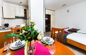 Split, Sala da pranzo nell'alloggi del tipo studio-apartment, WiFi.