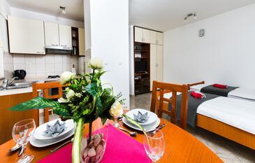 Split, Jedáleň v ubytovacej jednotke studio-apartment, WiFi.