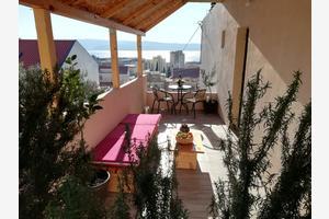 Apartments with a parking space Dugi Rat (Omiš) - 16315