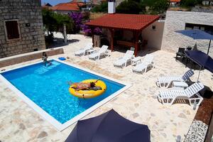Casa pentru familii cu piscină Grohote, Solta - 16331