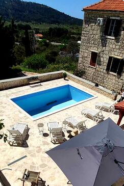 Grohote, Šolta, Property 16331 - Vacation Rentals with pebble beach.