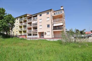 Pula, Pula, Property 16333 - Apartments with pebble beach.