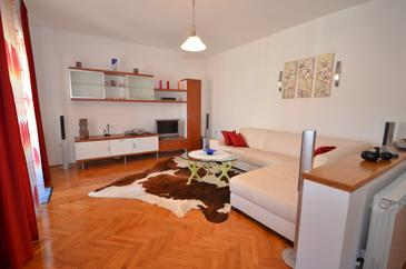 Zadar, Living room in the apartment, air condition available and WiFi.