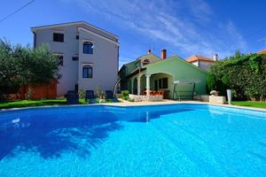 Family friendly apartments with a swimming pool Zadar - 16336