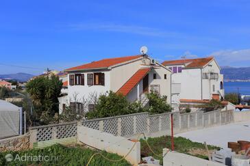 Slatine, Čiovo, Objekt 16345 - Ubytování v blízkosti moře s oblázkovou pláží.